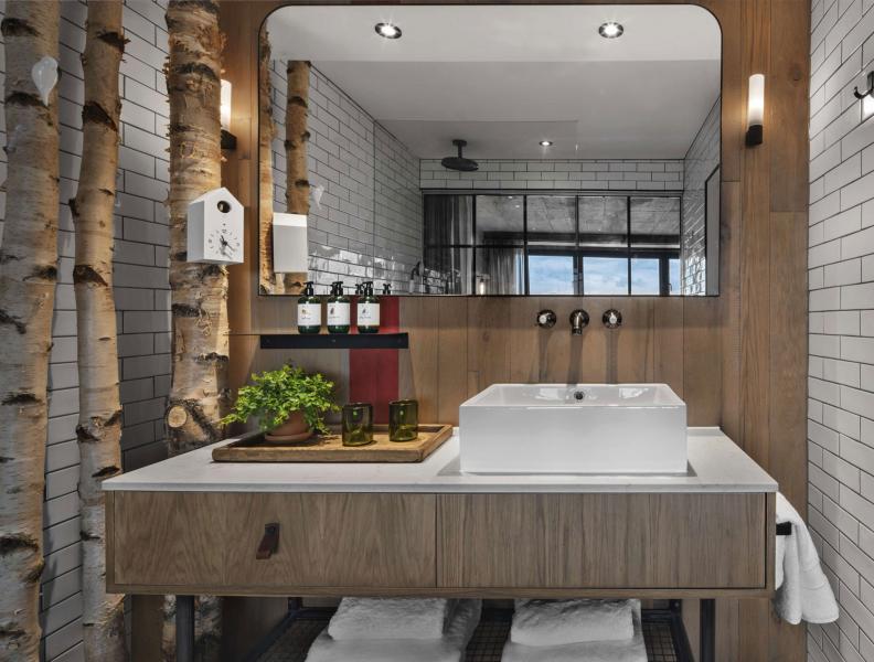 Treehouse Room Bathroom