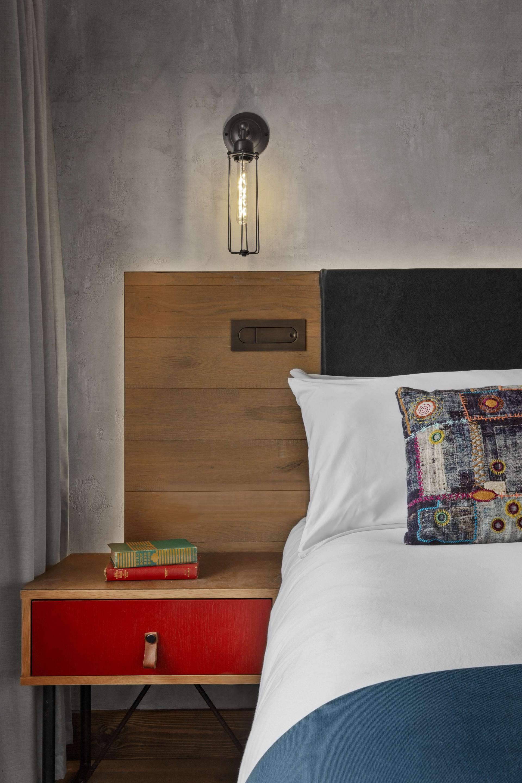 London - Bedside table