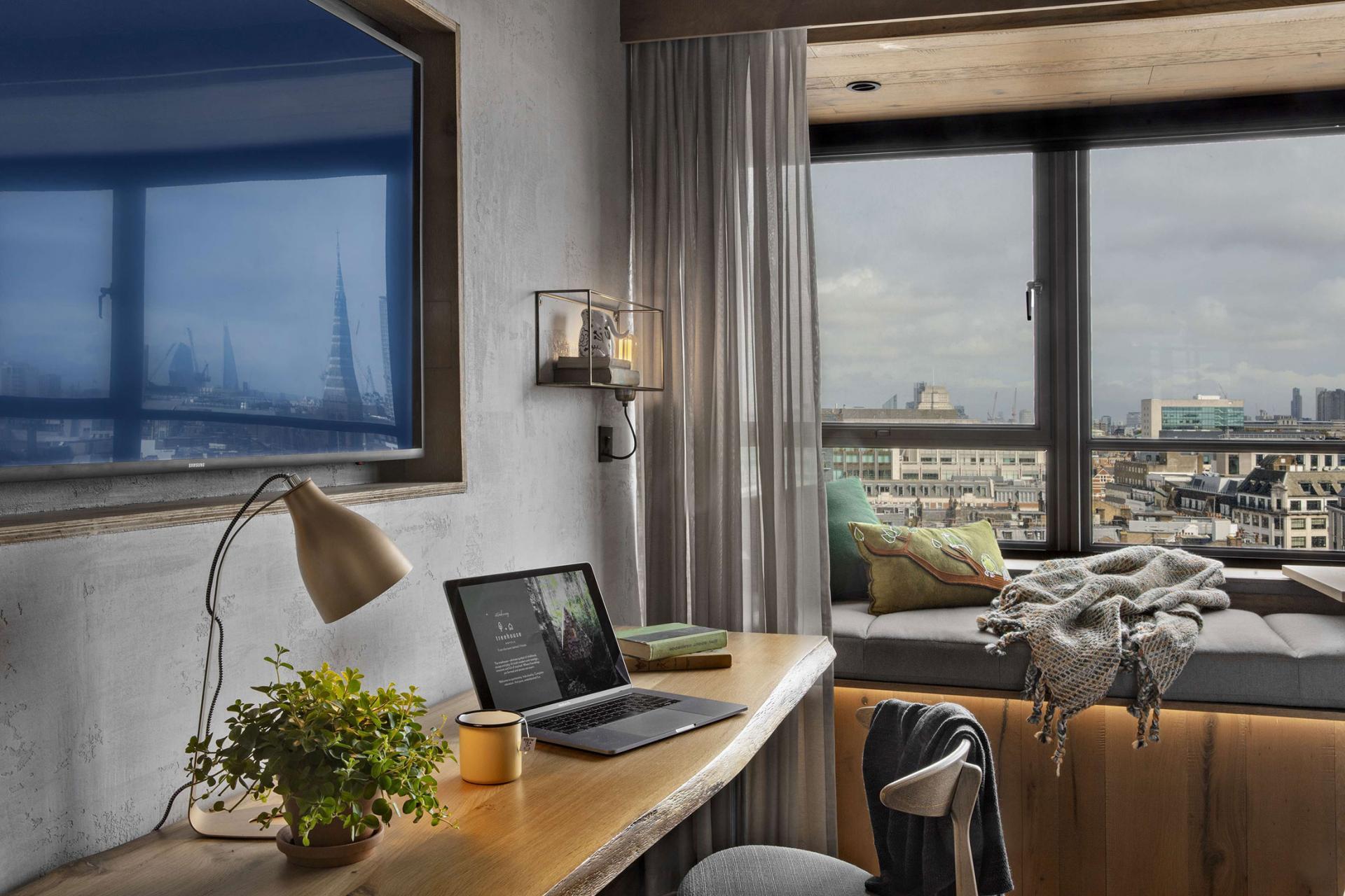 London Room Desk